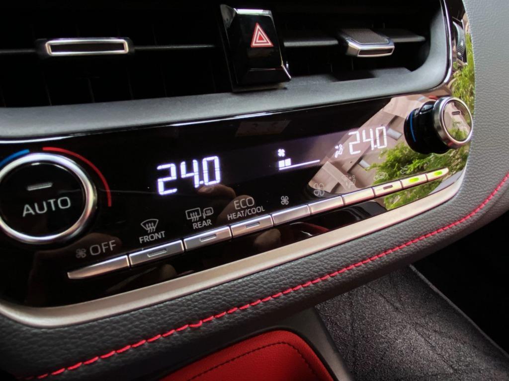 日本小鋼炮 新車一年 2019 Auris 全車原钣件 原廠保養 原廠保固中 原漆 跑8000公里