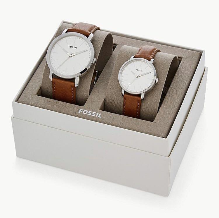 Fossil His and Her Couple Luther Three-Hand Luggage Leather Watch Gift Set BQ 2937