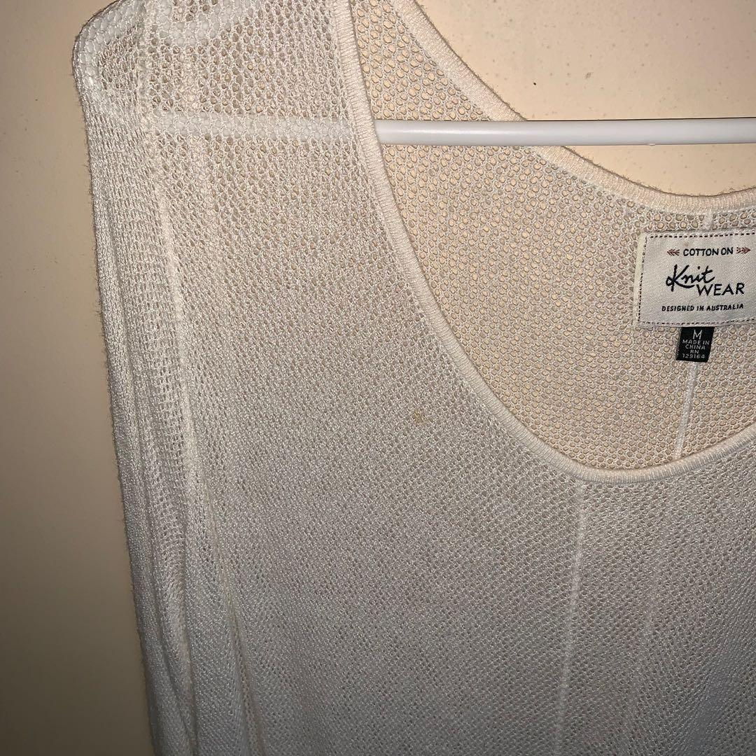 Size M mesh top