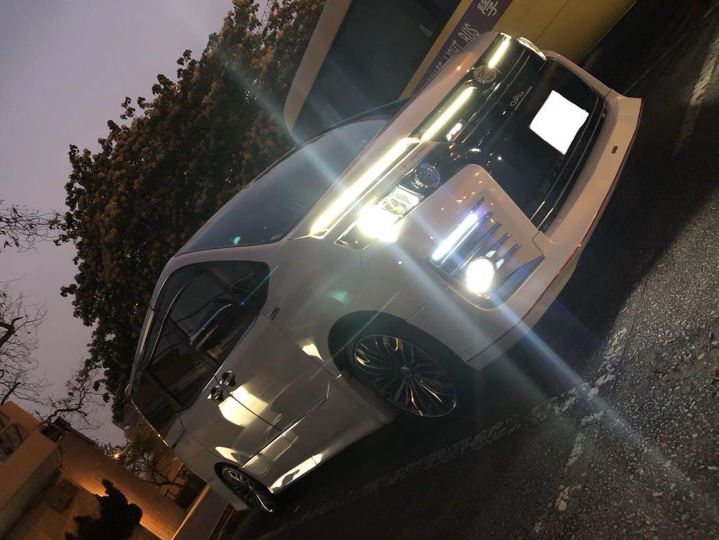 Toyota Voxy ZS Auto