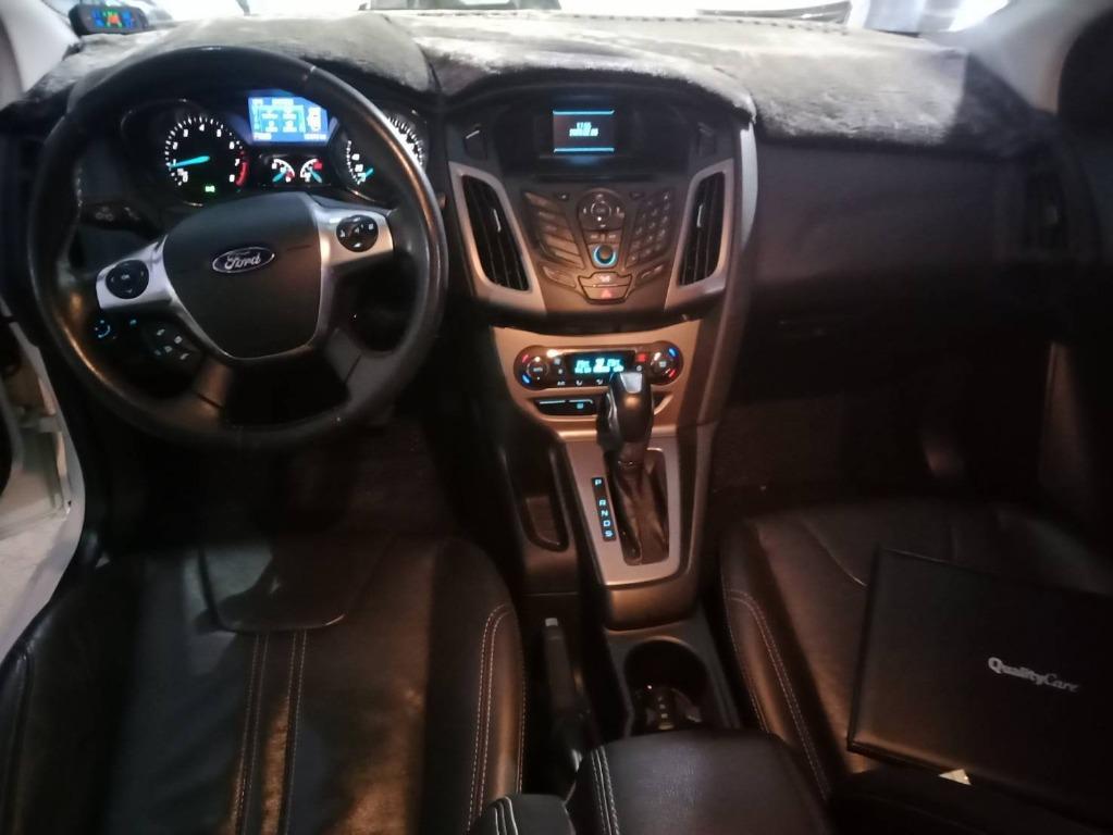 2015年 福特 FOCUS 4D - 四眼仔歡車庫