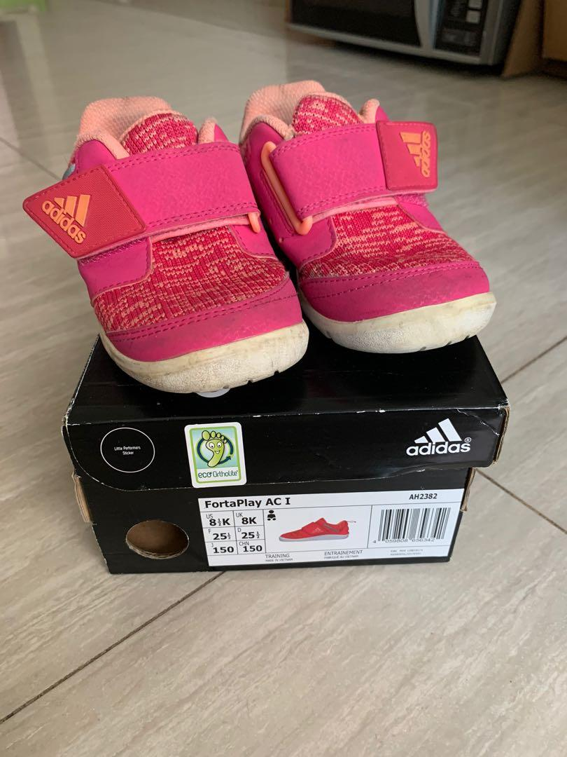 curva hijo Querido  Adidas Fortaplay Girl Sneakers Shoes Size 8 US, Babies & Kids, Girls'  Apparel, 1 to 3 Years on Carousell