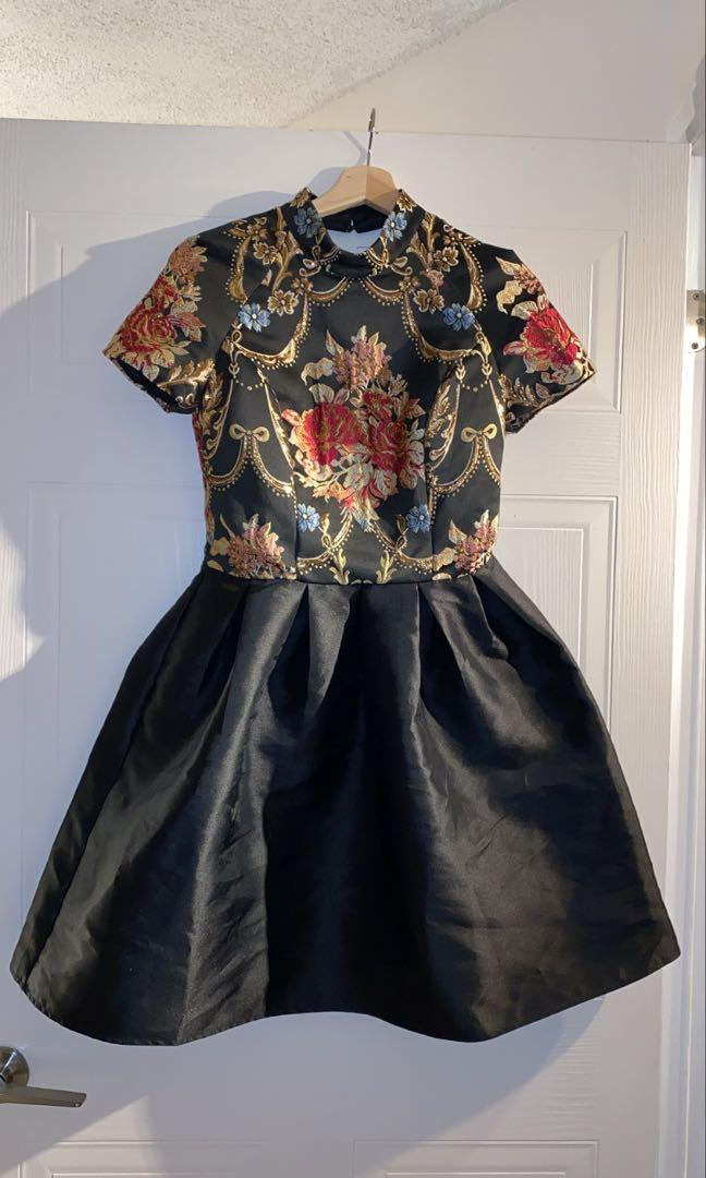 Fancy Midy Floral Patterned Dress with Gold Pieces