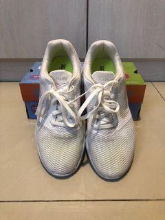 SKECHERS輕量運動鞋