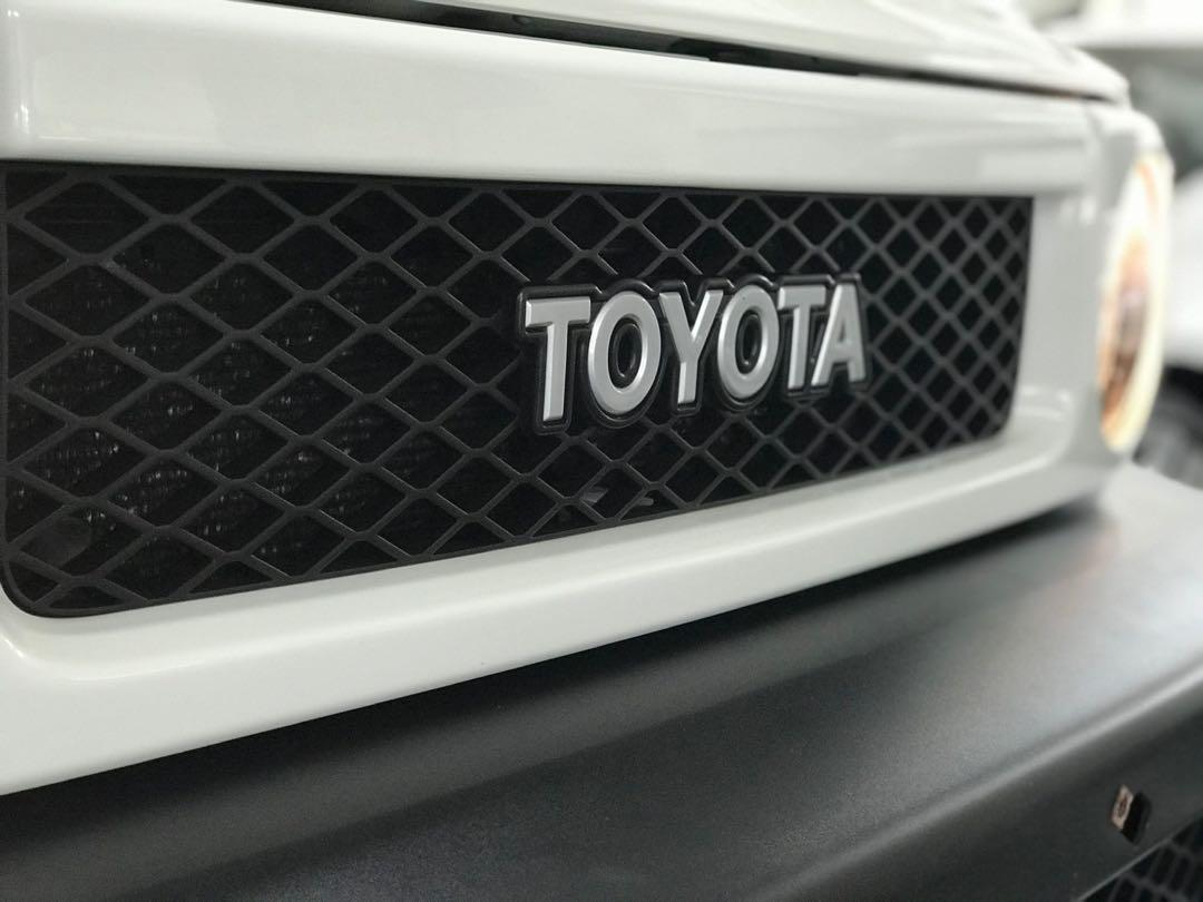 Toyota FJ Cruiser  FJ Cruiser  Auto