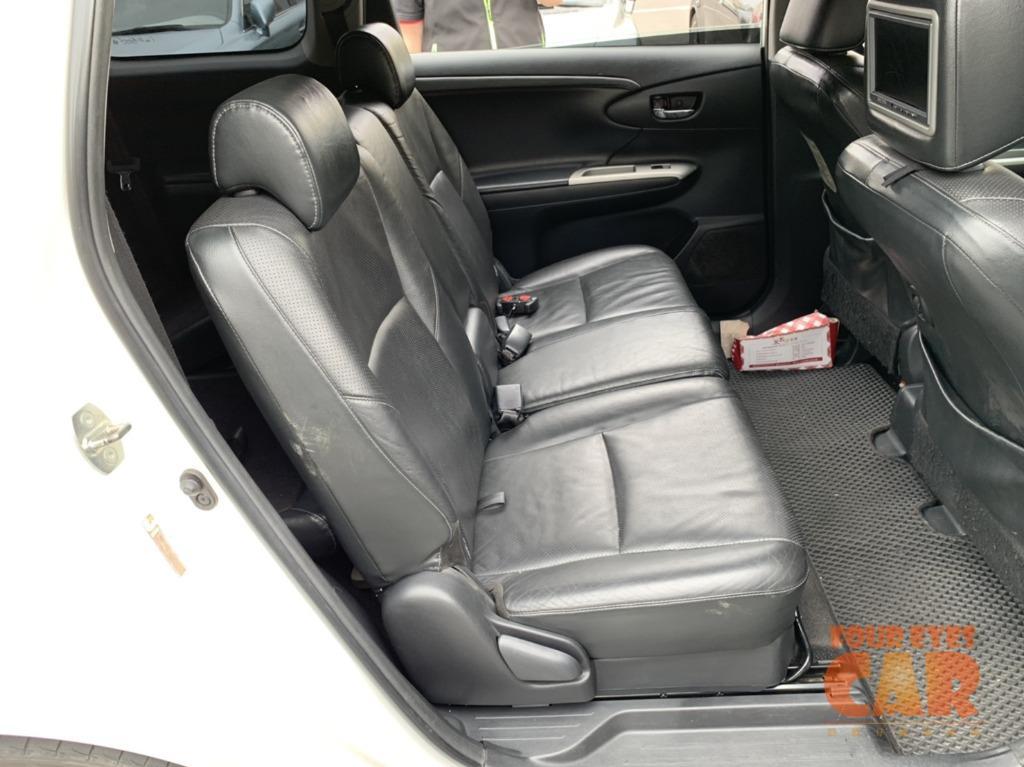 2010年 豐田 WISH G 頂級版 - 四眼仔歡樂車庫