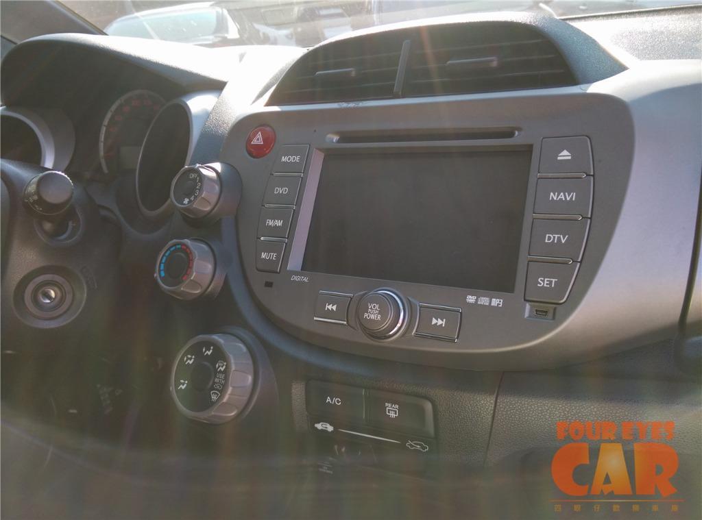 2011年 本田 FIT 頂級版 沒定速 - 四眼仔歡樂車庫