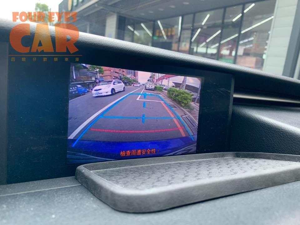 2014年 凌志 IS300h F-sport - 四眼仔歡樂車庫