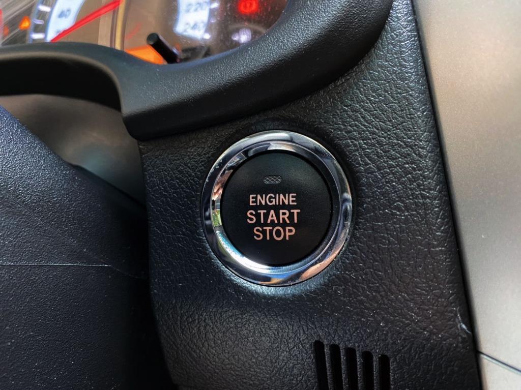阿提斯 最高等級 2.0 Z版 2012 稀有車型 第一次看到有2.0cc ALTIS  原廠空力套件 IKEY 換檔快撥 ECO 定速 全車雷達 倒車顯影