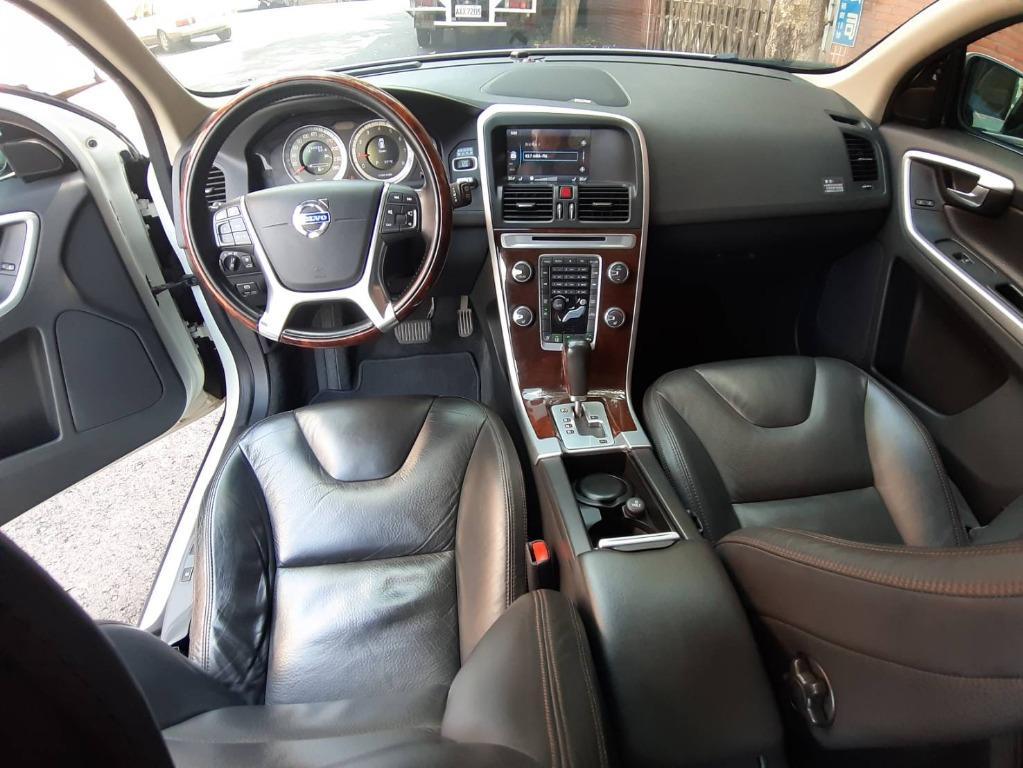 戰車般的鈑金 總統舒適座椅 頂級旗艦版 2011 VOLVO XC60 T5 TURBO 2.0 運動型休旅車 配備最滿
