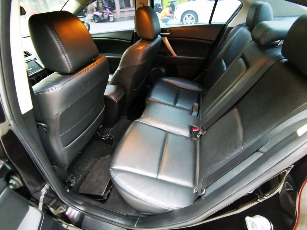 頭份市 ☆ 中承汽車 ☆ 2011年 Mazda 3 四門 黑色 里程 : 12.3萬