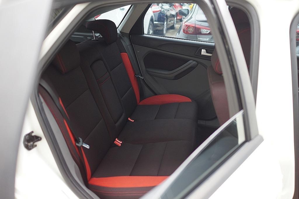 舜天車坊 Ford Focus 2011款 ⼩改款 TDCI 2.0 柴油渦輪 TCS+四安+⼿⾃排