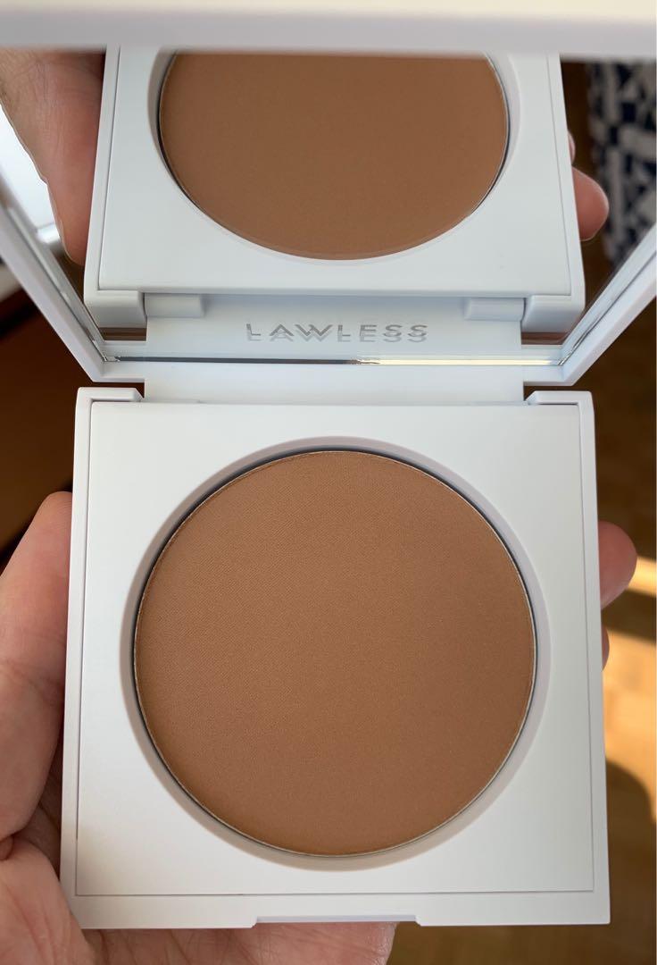 ❗️Price Drop❗️Brand New Lawless velvet matte bronzer