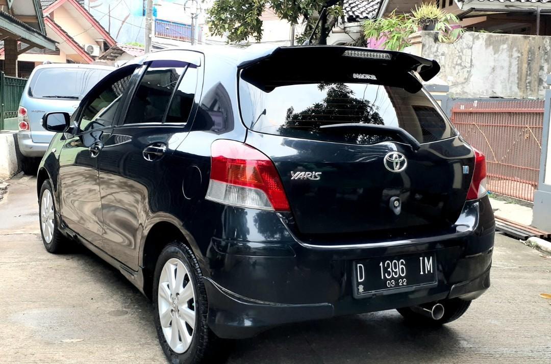 Dijual Toyota Yaris E 1.5 AT Thn 2011 Full Ori Sangat Istimewa