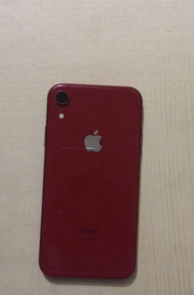 IPHONE XR RED + APPLE CARE