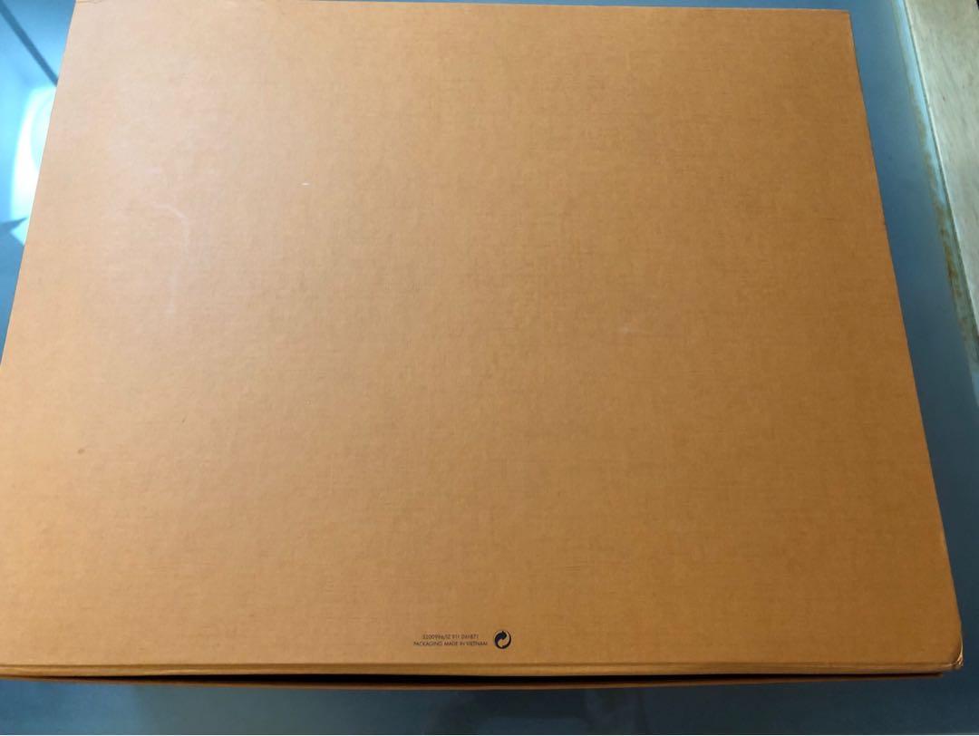 Louis Vuitton Authentic Magnetic Closure Empty Box $55