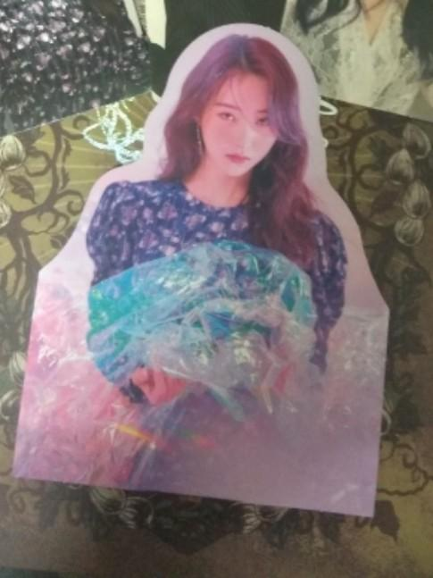 WTT Dreamcatcher SuA standee,Dami pc to Gahyeon or Siyeon