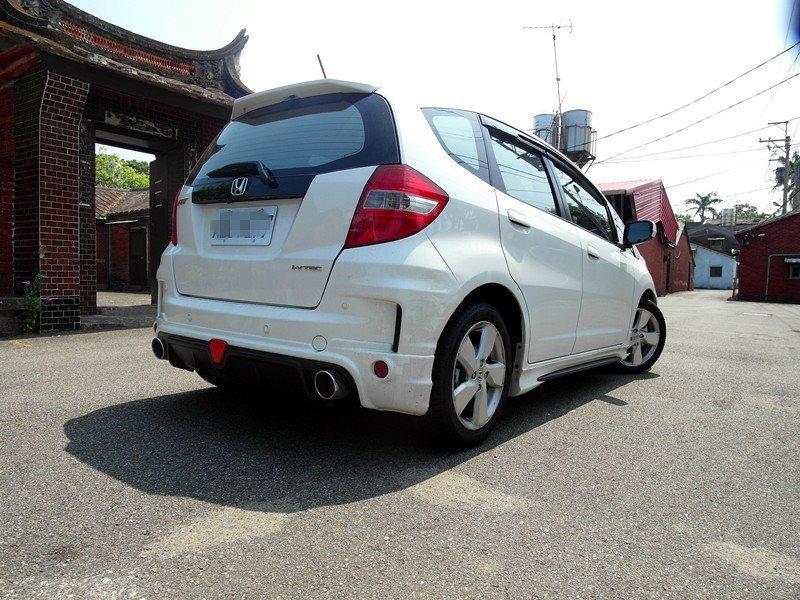 2013年本田FIT1.5白