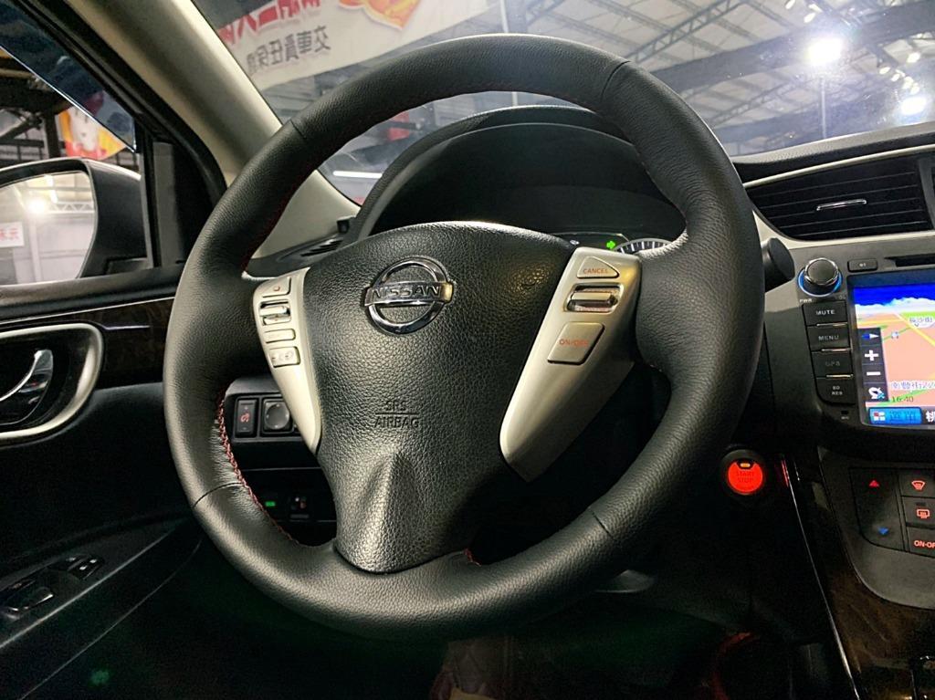 2015  nissan Sentra 1.8灰色頂    全額貸款 超額貸款  找錢車 非自售 一手車/中古車