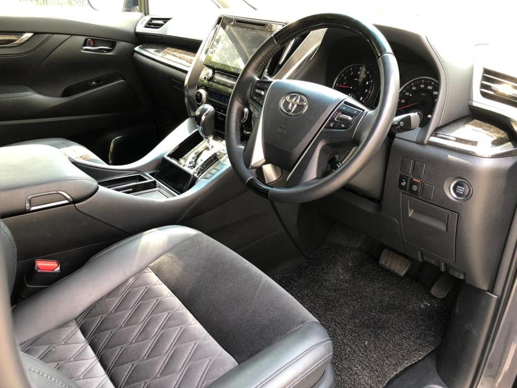 CARS FOR RENT IN KL Mercedes G350d Kereta Sewah 汽车出租