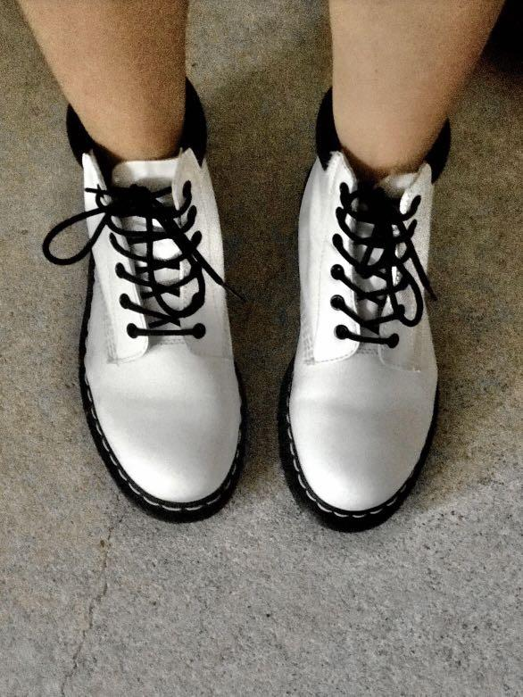 dr martens 939 size 9 white