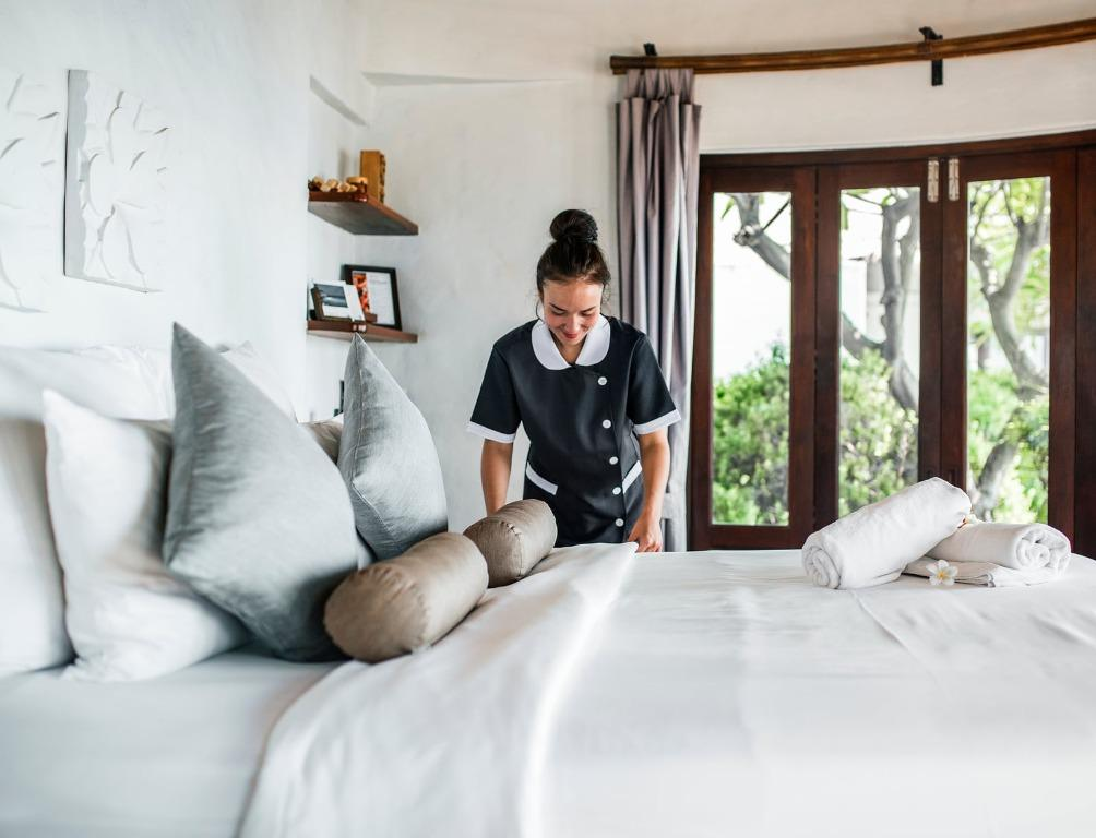 Hiring Part-time Sembawang Housekeeping for Private Hotel