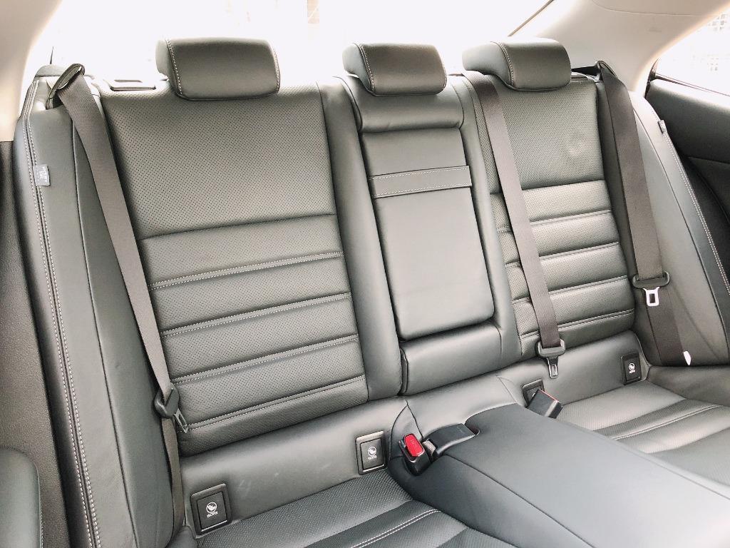 Lexus    IS 300    2019 Auto