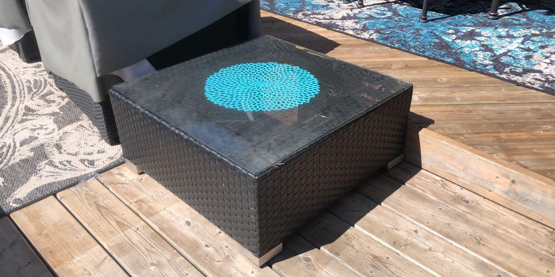 Outdoor patio square table