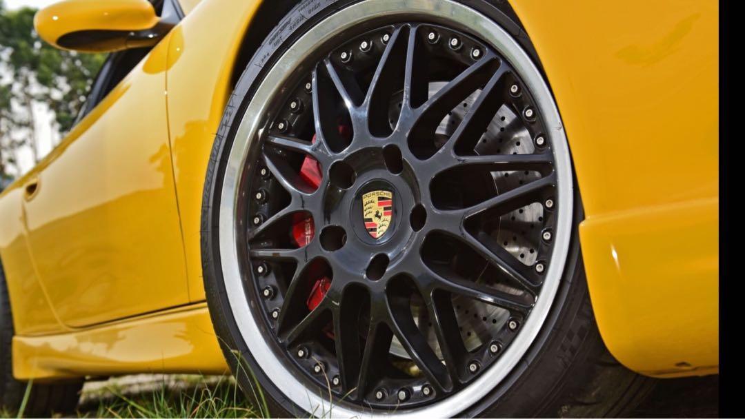 Porsche 911 3.4 Carrera Coupe (M)
