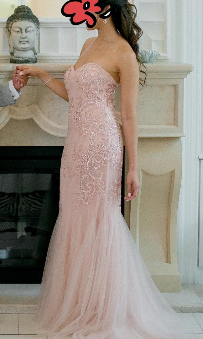 Striking Embellished Mermaid Sweetheart Beaded Lace Formal Gown