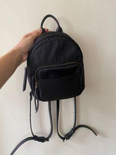 韓版迷你黑色後背包