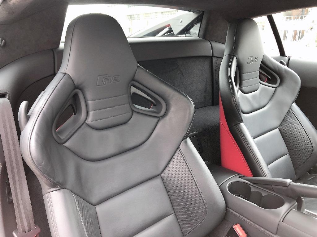 Audi    R8 5.2 QUATTRO V10 PLUS   2015 Auto