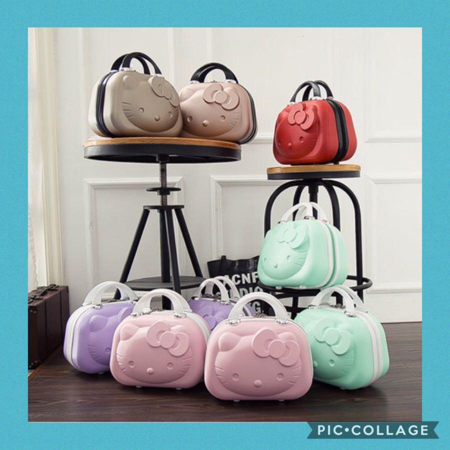 ❣️Only purple & mint green avail❣️Brand new Hello Kitty Design Small Luggage/Make Up Bag. Ideal as 🎁gifts or for your own use! 😀