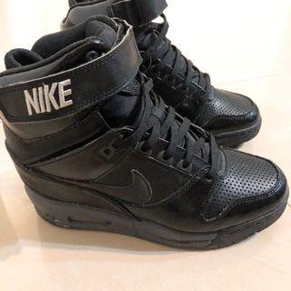 近全新24.5!!Nike超舒服好穿 內增高顯瘦球鞋