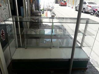 移動式玻璃展示櫃