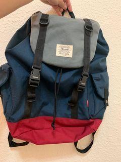 藍紅配色後背包