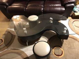 Coffee table with 2 chairs