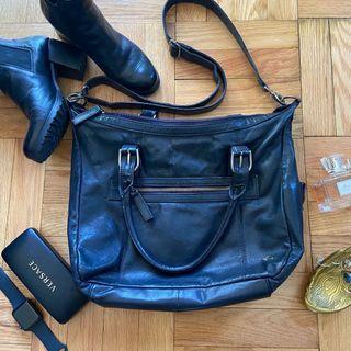 Genuien Leather Carpisa Crossbody Bag