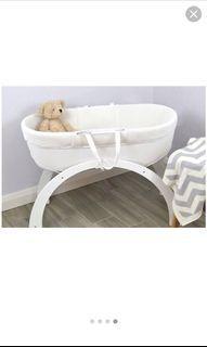 Shnuggle dreami Moses basket +rocking bassinet