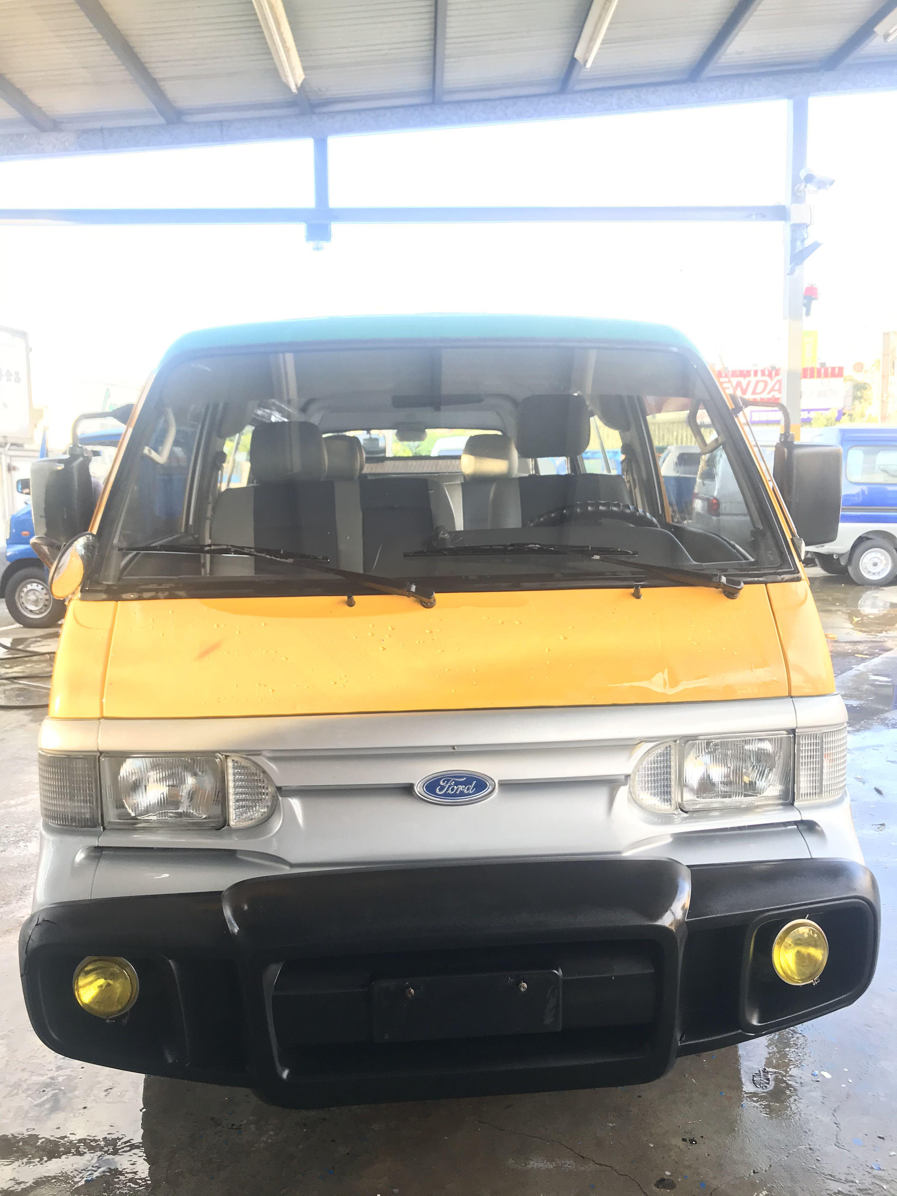 09年 福特風尚車2.0cc 客貨車版