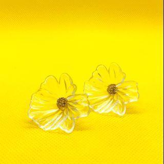 透明花朵壓克力🌼耳環  transparent floral earrings