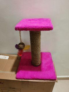 Cat scratch pole