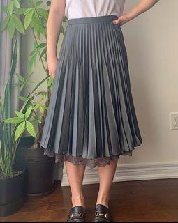 Grey pleated mid skirt