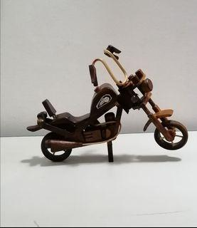 Miniatur Harley Davidson Kayu Unik Antik