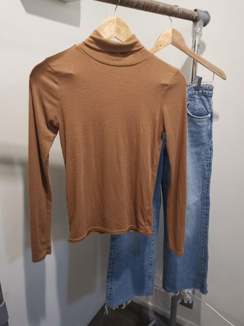 Turtle neck sweater size 8