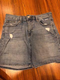 Uniqlo denim ripped blue shorts