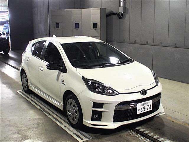 Toyota Aqua Prius C GR Auto