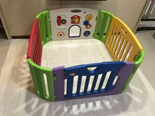 二手 日本育兒Nihon Ikuji 幼兒音樂遊戲安全圍欄 方塊魔法屋