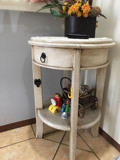 beautiful white side table