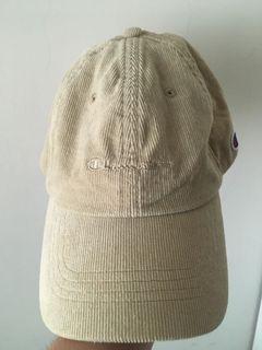 東京新宿plaza champion 淺卡其色燈芯絨材質老帽棒球帽 全新未使用過 後面可調節 2018九月購買 尺寸57-59cm